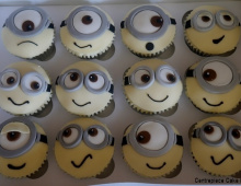 Minion-cup-cakes