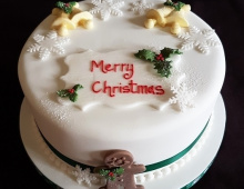 Christmas-cake-holly