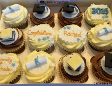 graduation-cupcakes