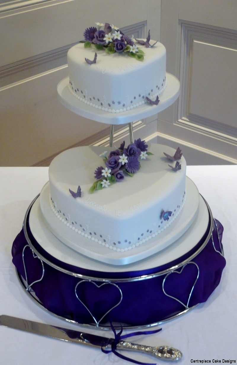 tiered wedding cakes  isle of wight wedding cake bakers