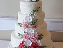 Classic-cascade-floral-detailing