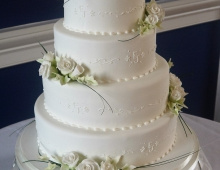 4-tiers-icing-flowers