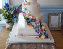 4-tiers-stacked-floral