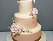 Chic stacked with handmade flowers