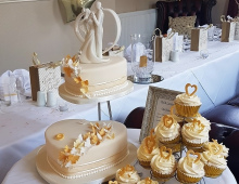 2-tier-cup-cakes-golden