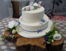 2-tier-stack-iced-fresh-flowers-log