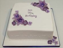 Birthday-cake-flowers-dar-lilac