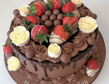 Adult-chocolate-strawberries-roses