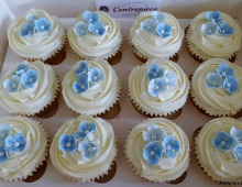 Blue-cupcake-flowers