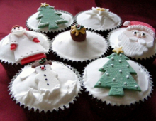 individual-christmas-cup-cake