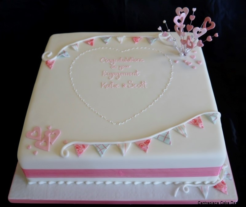Engagement Cakes From 60 00 Centrepiece Cake Designs Isle Of Wight