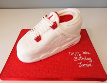 1_Adult-trainer-birthday-cake