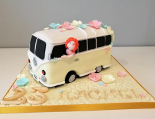 Adult-VW-bus-cake