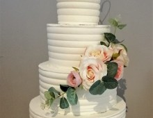 Buttercream-cascading-flowers