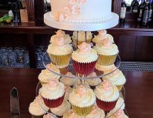 Cupcake-wedding-roses