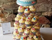 Hawaiian-cupcakes
