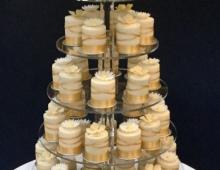 Round-individual-cakes