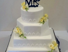 3-tiers-gold-flowers