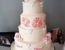5-tier-stack-roses