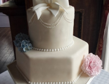 Tall-2-tier-bow